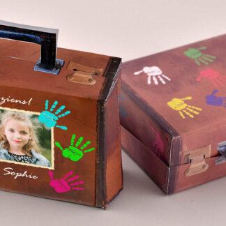 verhuis traktatie koffer met zwaaiende handjes