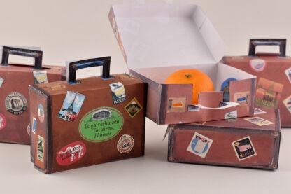 verhuist traktatie met mandarijntje vintage koffertje