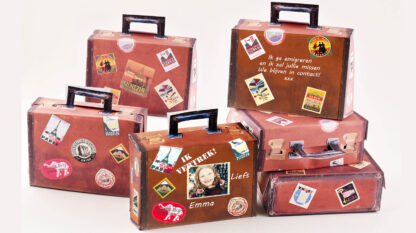 ouderwetse koffertjes traktatie met hotel stickers